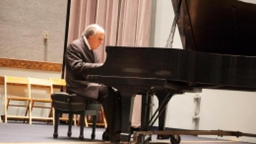 World-renowned Rudnytsky shines at concert