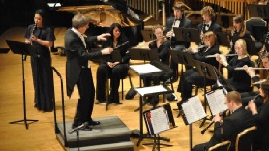 Wind ensemble blows away audience