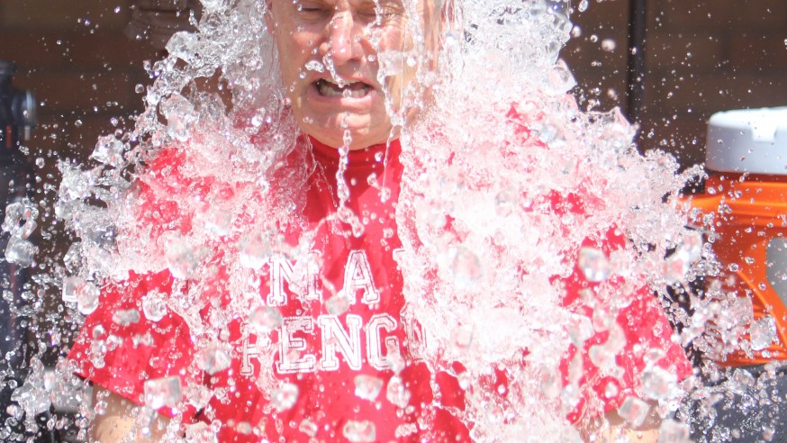 Senior Faculty Chill Out: Tressel and deans take the Ice Bucket Challenge