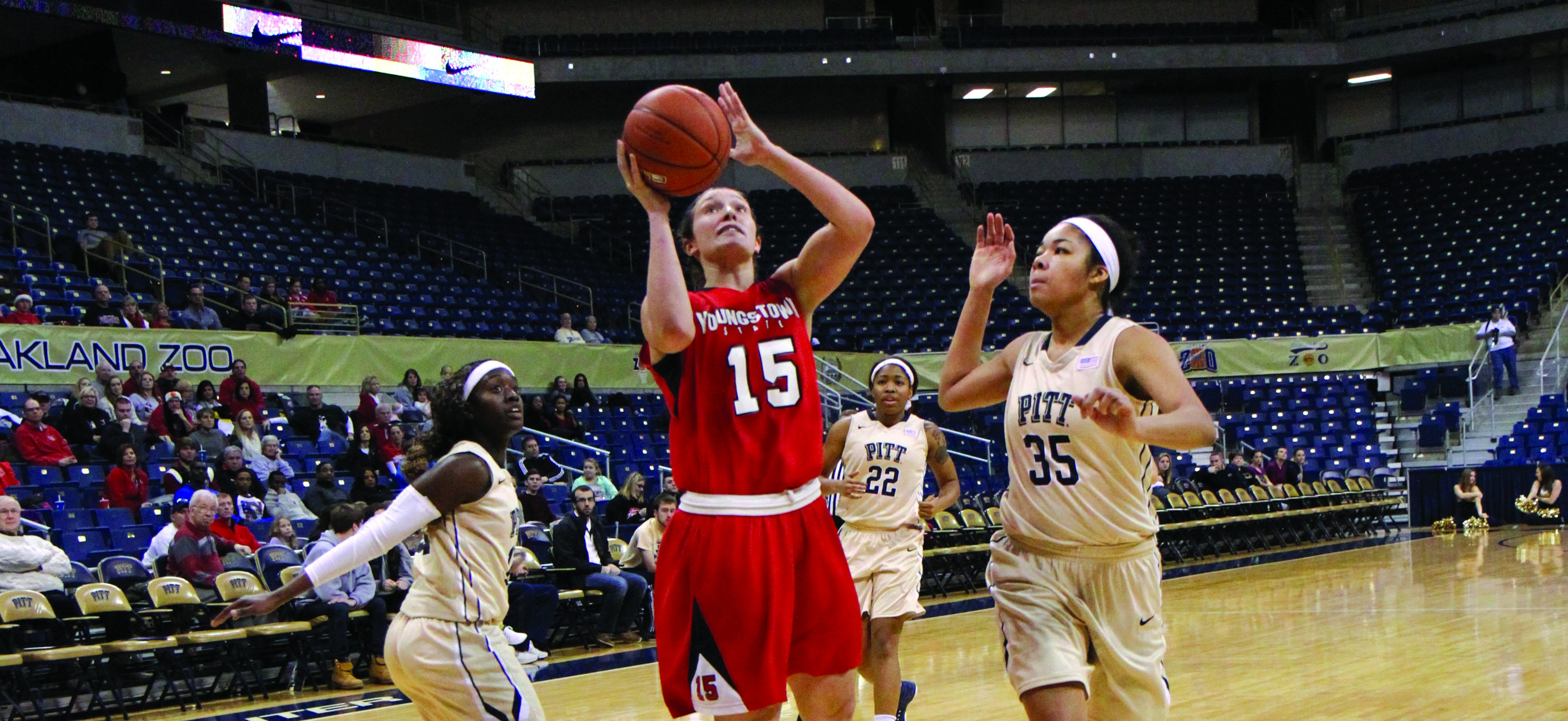 Senior forward Heidi Schlegel scored over 30 points in back-to-back games against Valparaiso and Milwaukee last week. The last Penguin to score 30 points in back-to-back games was Brandi Brown during the 2012-2013 season. Photo courtesy of YSU Sports Information.