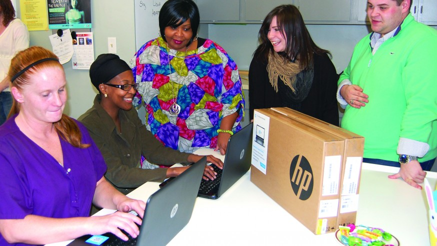 YSU Enactus Donates Technology to Women in Need