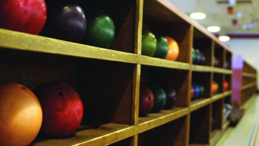 Bowling Team Strikes Highest Ranking in Club's History