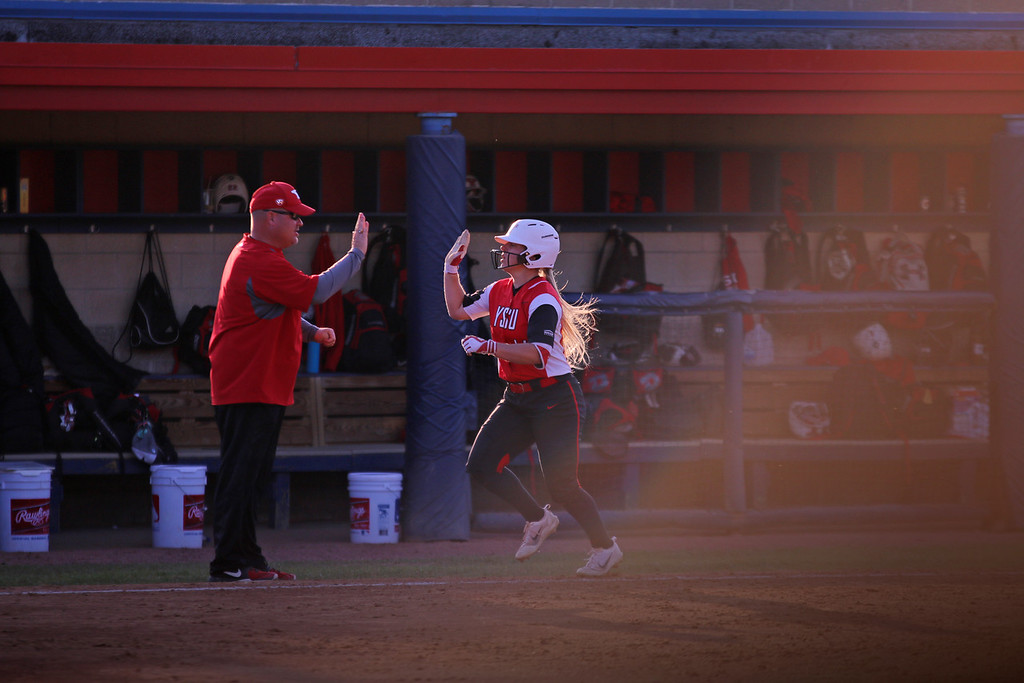 Truex, Bolstad power Pirates softball to win