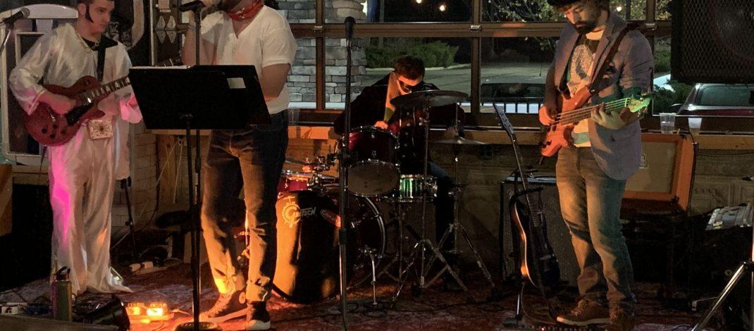 Live Music Returns to Suzie's